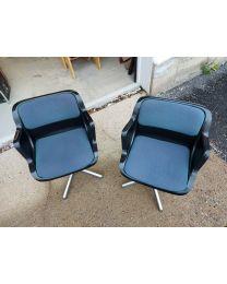 Harvinainen Haimi 3428X (ABS) tuoli, design Yrjö Kukkapuro, 2kpl