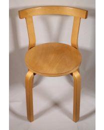Tuoli Artek 68 koivu (enää 10 jäljellä), tuoleissa käytön jälkiä